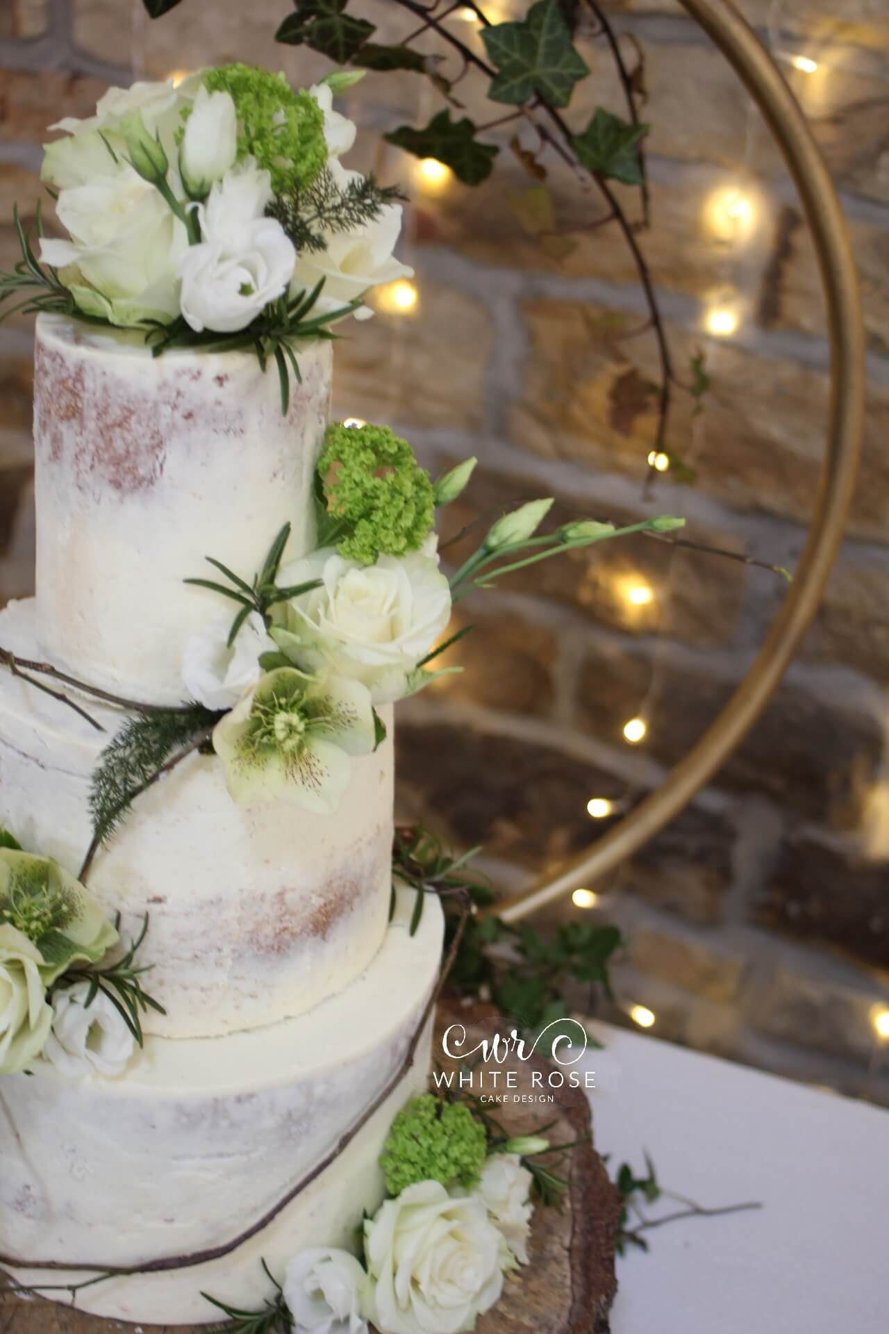 How To Decorate A Wedding Cake With Flowers